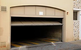 Garage Door Repair Services in Stoneham